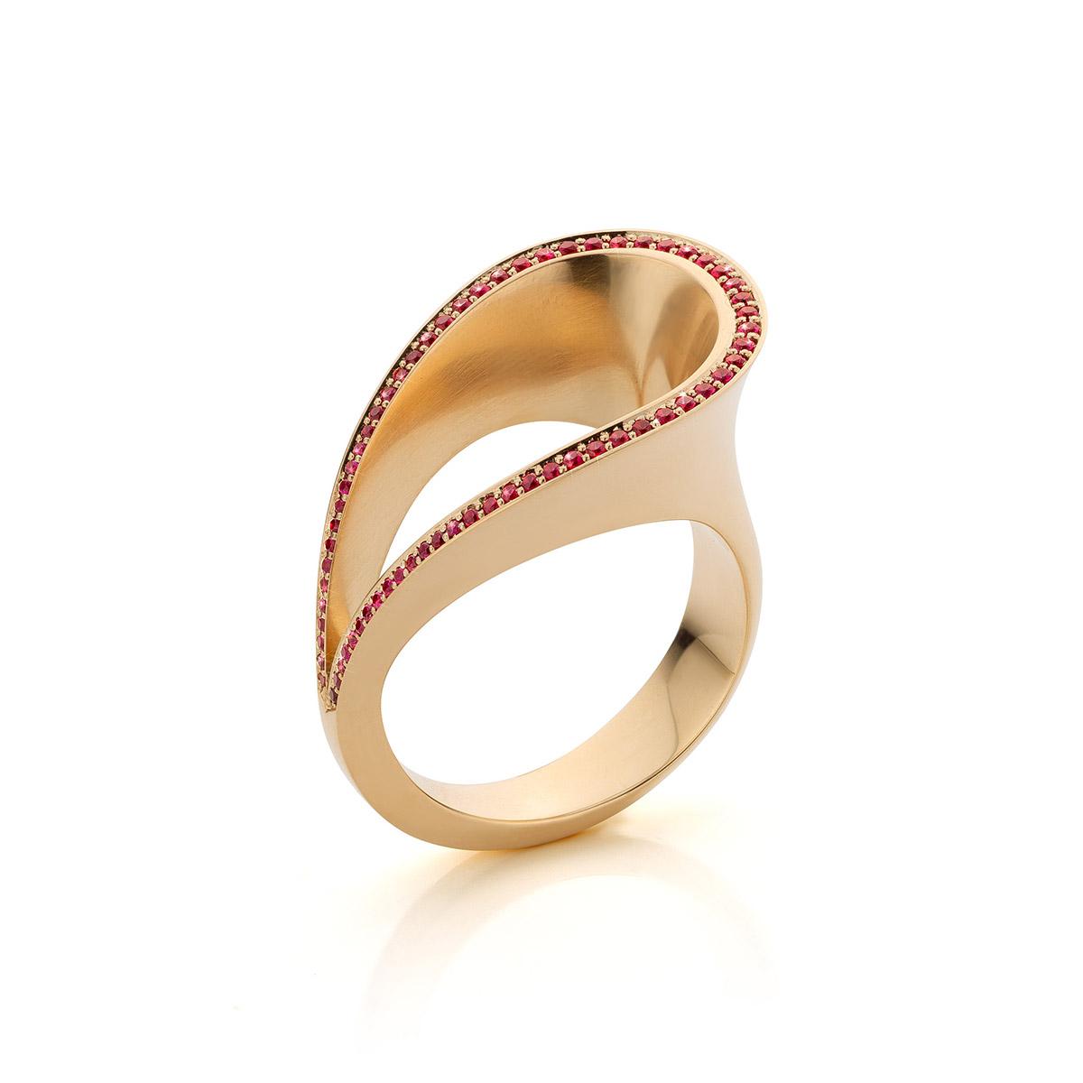 ring Met Dank Aan Het Circus, robijn